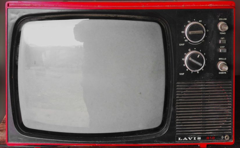 Wspólny wypoczynek przed telewizorem, lub niedzielne filmowe popołudnie, umila nam czas wolny ,a także pozwala się zrelaksować.